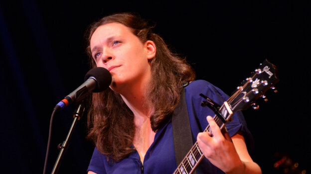 Lucy Wainwright Roche on Mountain Stage.