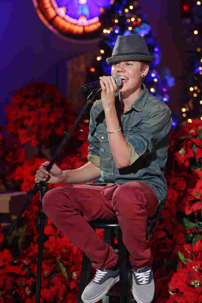 Justin Bieber will appear on A Home For The Holidays With Martina McBride, airing tonight on CBS.
