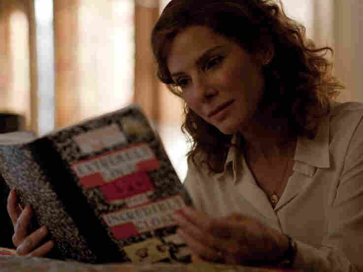 Oskar's mom, Linda (Sandra Bullock), grieves for her husband and struggles to adjust to her new role as a single parent.