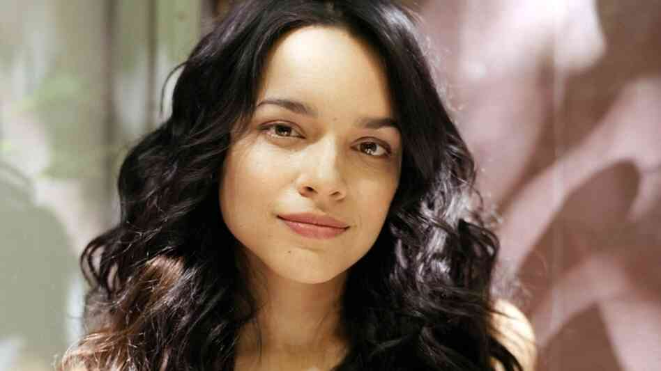 Norah Jones kicks off KPLU's list of great vocal performances in 2011.