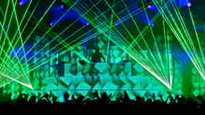 One of the premier American dubstep DJs, Pretty Lights is renowned for his dazzling light shows.