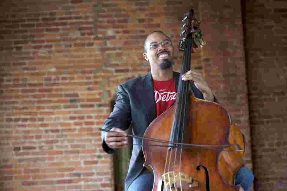 Detroit Symphony Orchestra bassist Rick Robinson also founded the chamber ensemble CutTime Players.
