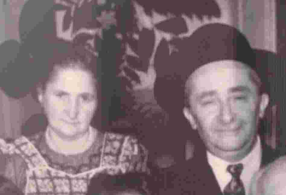 A photo of Etel and Motele Shlejter still hangs in the Nidjei Israel Temple in Mexico City.