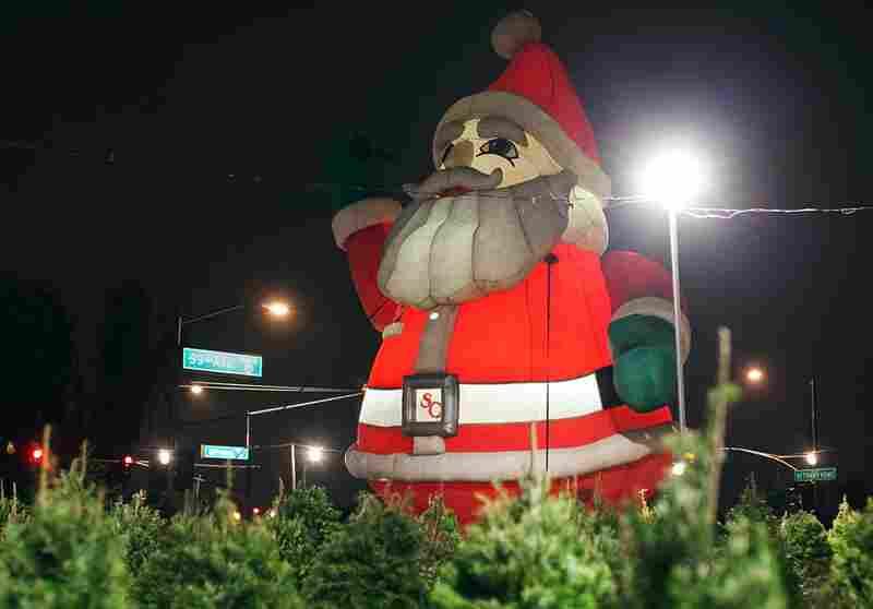 Four-story Santa, Glendale, Ariz.