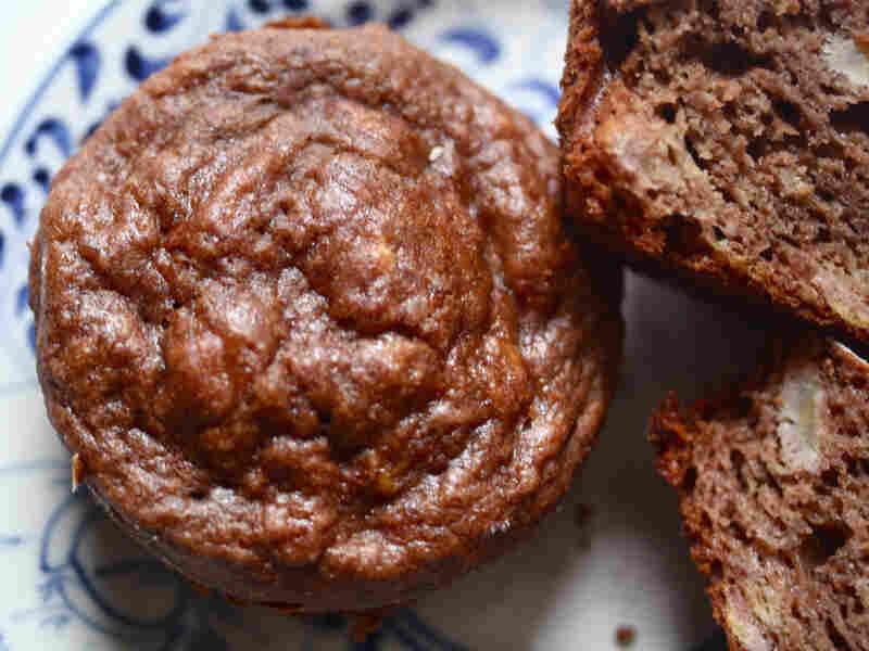 Banana-Cocoa Muffins