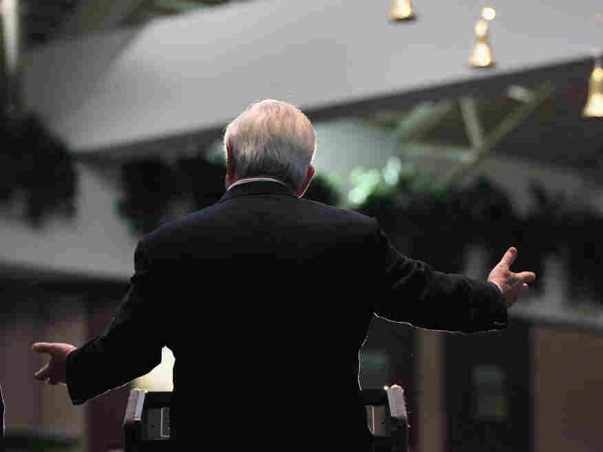 Newt Gingrich speaks Wednesday at Southbridge Mall in Mason City, Iowa.
