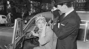 """""""Oh dear, the car doesn't seem to recognize me."""" (1960 fi"""