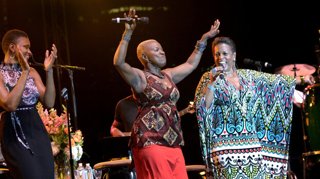 L-R: Lizz Wright, Angelique Kidjo and Dianne Reeves perform at the 2011 Detroit Jazz Festival.