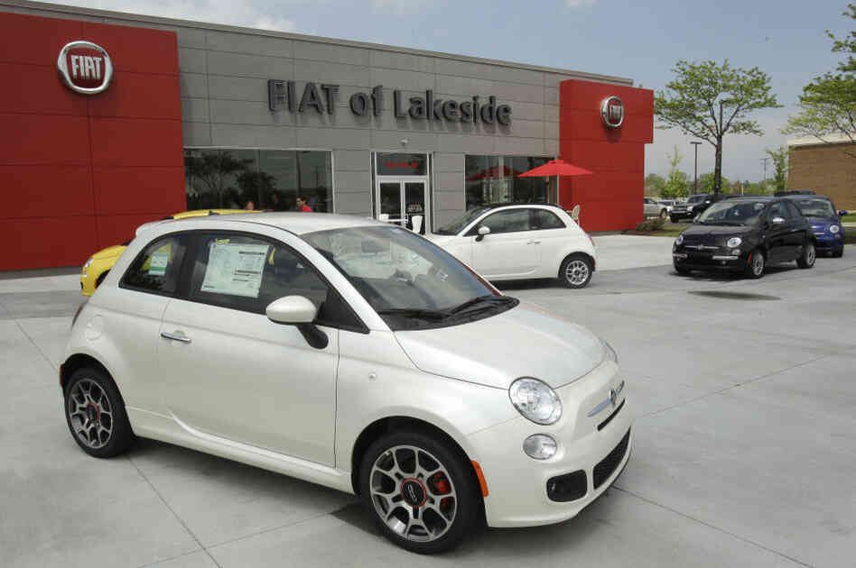 In its 2011 re-entry into the U.S. market, Italian automaker Fiat opened 130 dealerships — or studios, as the com