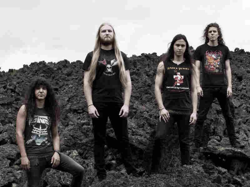 "Vektor's ""Tetrastructural Minds"" updates the thrash-metal blueprint amid banshee calls and a barrage of epic guitar riffs."