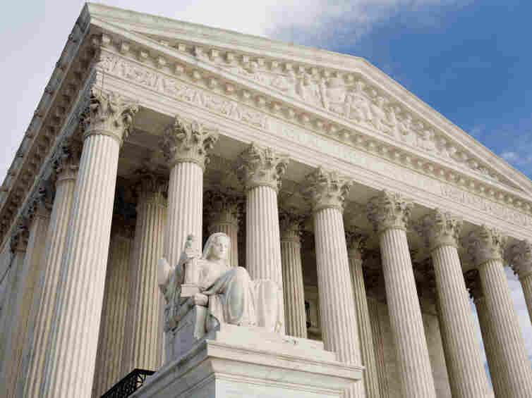 The Supreme Court heard arguments for a case that pits the rights of minority voters under the Voting Rights Act against the powers of the state Legislature.