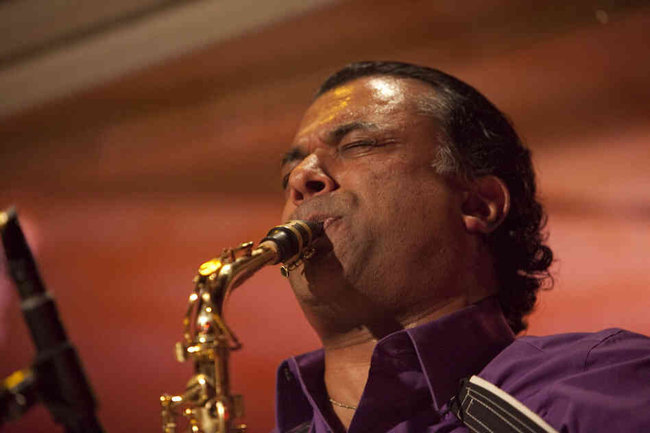 Saxophonist Rudresh Mahanthappa assembled a unique lineup of friends for the Winter Jazzfest, a group with similar instrumentation to the band on his latest album, Samdhi.