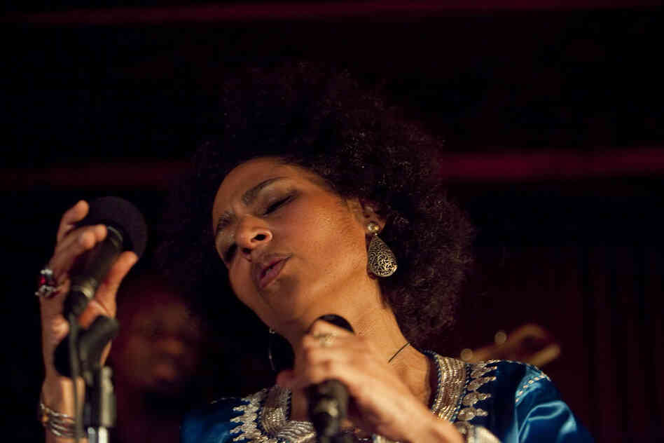 French-Moroccan singer Malika Zarra performed at Zinc Bar.