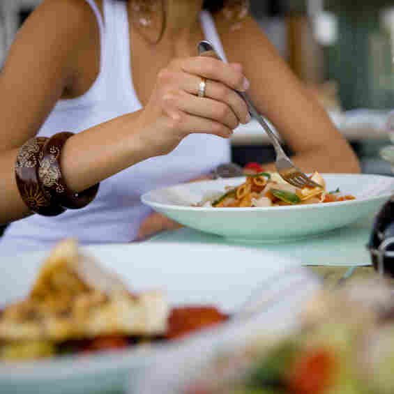 How To Eat Out Without Putting On The Pounds