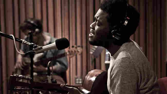 Michael Kiwanuka, in studio at KCRW.