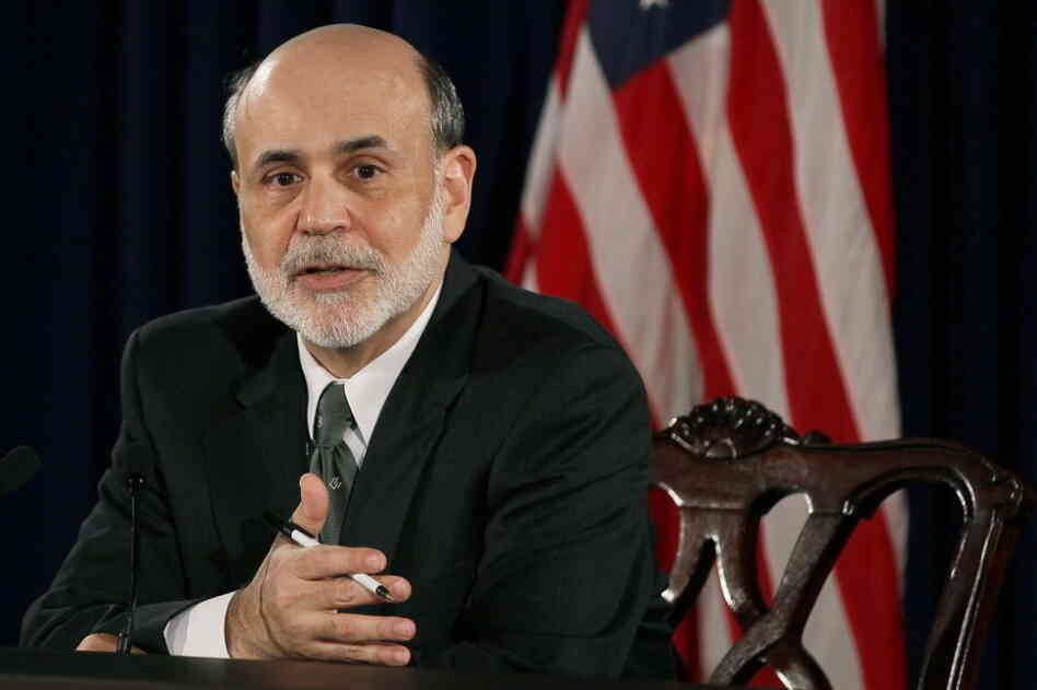 Federal Reserve Chairman Ben Bernanke has a heart to heart chat with reporters.