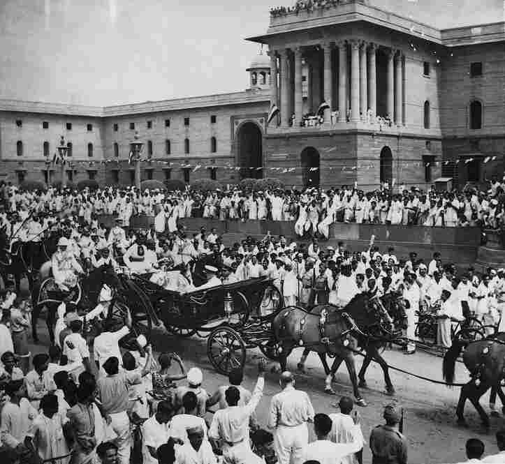 Lord Mountbatten's ceremonial buggy ride, from Rashtrapati Bhawan to the Parliament House, after being sworn in as governor general in Delhi on Aug. 15, 1947. Mountbatten was the last viceroy of India and was charged with overseeing the transition of British India to independence.