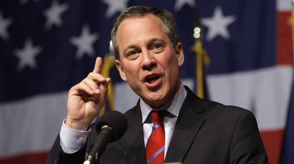 New York Attorney General Eric Schneiderman may reject a settlement with big banks over the robo-signing scandal. He says authorities have done too little to investigate the banks' role in the financial crisis.