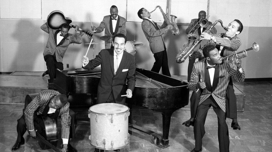 Amerika - nekada davno - Page 3 Johnny_otis_band_wide-968a7bf6c0c82f4297205f7d5bea6db358a6a6ec