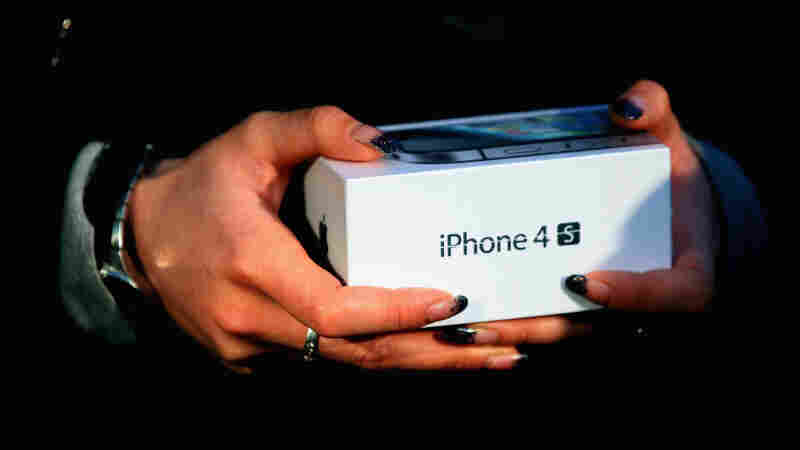 A new iPhone 4S at Apple's Beijing flagship store.