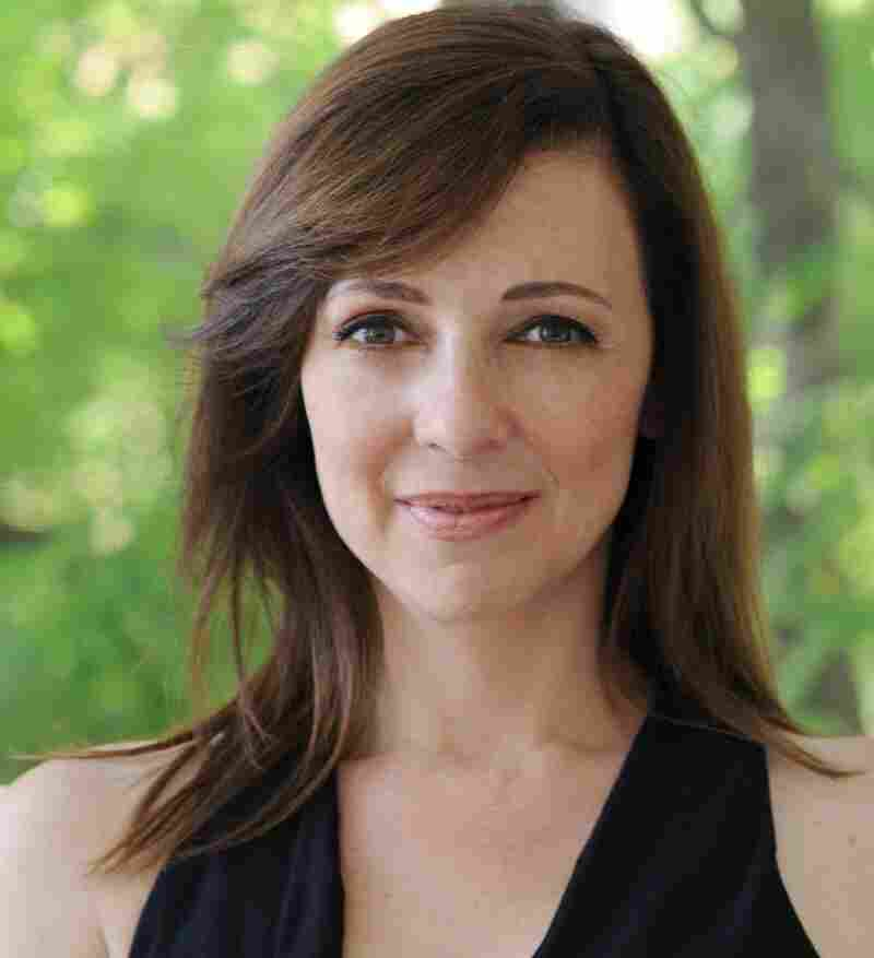 Before becoming a writer, Susan Cain practiced corporate law for seven years and then worked as a negotiations consultant.