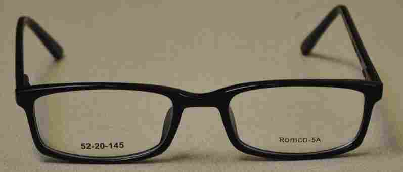 The military's new 5A standard-issue eyeglasses were put through rigorous testing before they were chosen to replace the older S9 model.