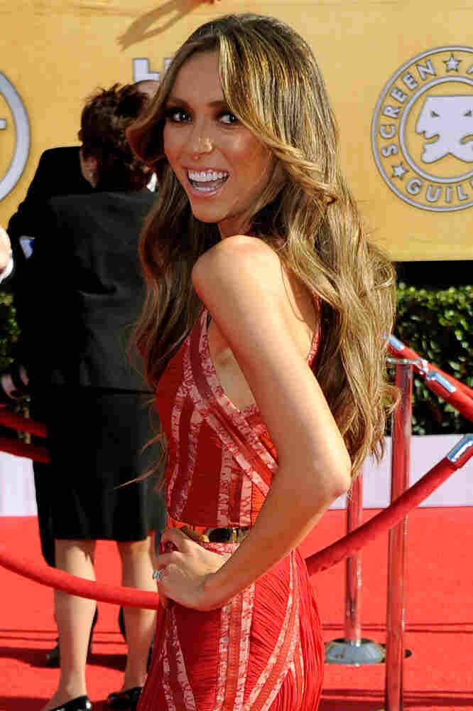 TV personality Giuliana Rancic arrives at the 18th Annual Screen Actors Guild Awards.