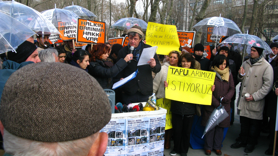 Demonstrators in Istanbul's Taksim Park protest against several development projects that would also include forced evictions from working-class neighborhoods. Yves Cabanne, a professor from University College in London, speaks to the crowd.