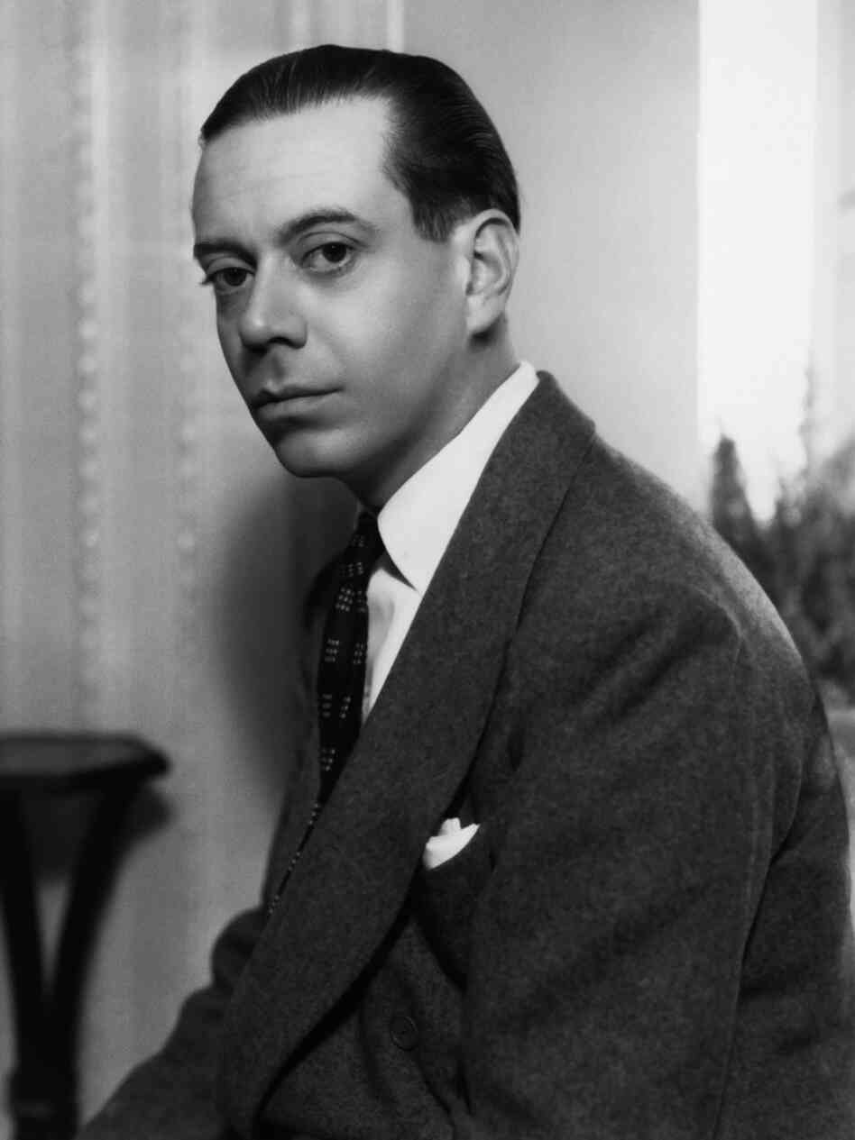 cole porter Cole albert porter (june 9, 1891 – october 15, 1964) was an american composer  and songwriter born to a wealthy family in indiana, he defied the wishes of his.