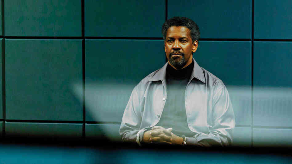 Cold and Calculating: Tobin Frost (Denzel Washington), a deadly CIA operative turned one-man army, placidly waits for trouble to come to him in Safe House.