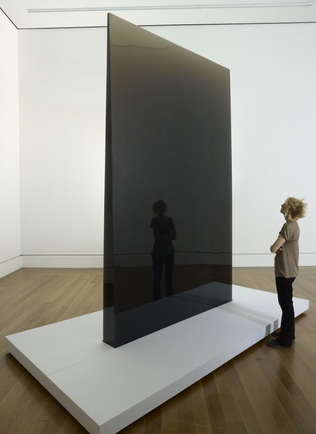 Gray Column, 1975 - 1976, by De Wain Valentine