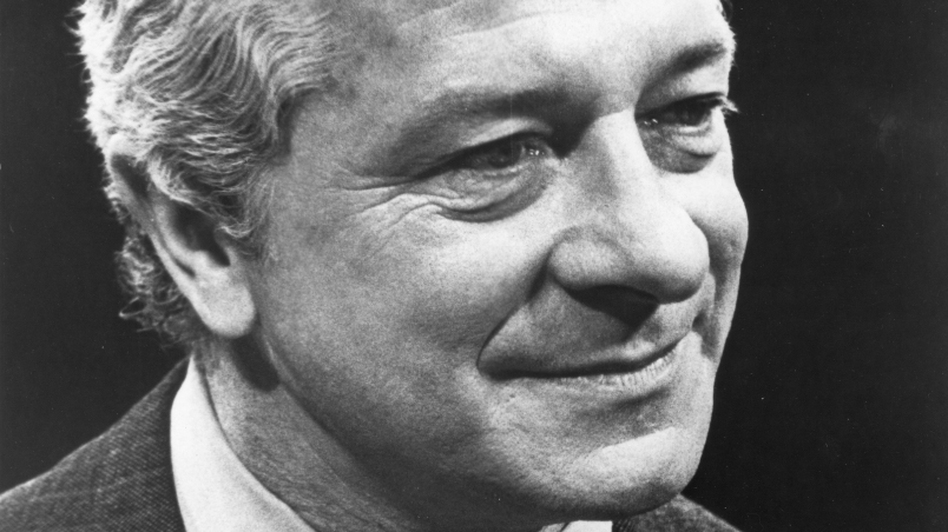 """David Susskind's pioneering talk show ran for almost 30 years. In 1970, he hosted an installment called """"How to Be a Jewish Son,"""" featuring actors George Segal and Mel Brooks. (Courtesy of S'more Entertainment)"""