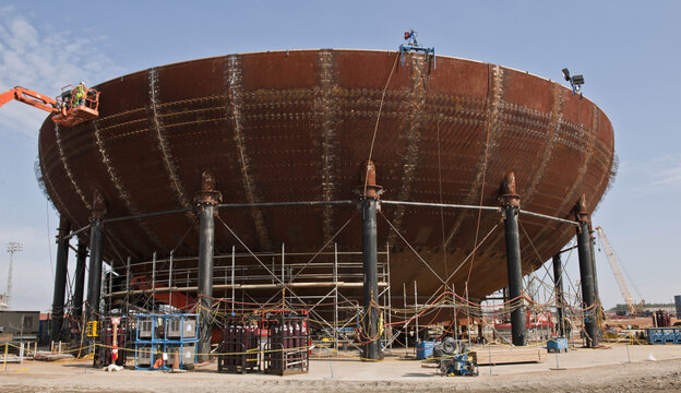 The containment vessel of Vogtle Unit 3 is already being assembled.