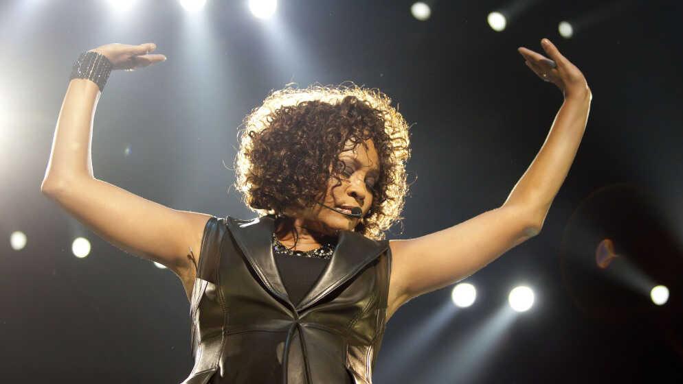 Whitney Houston, A 'Perfect Instrument,' Dies