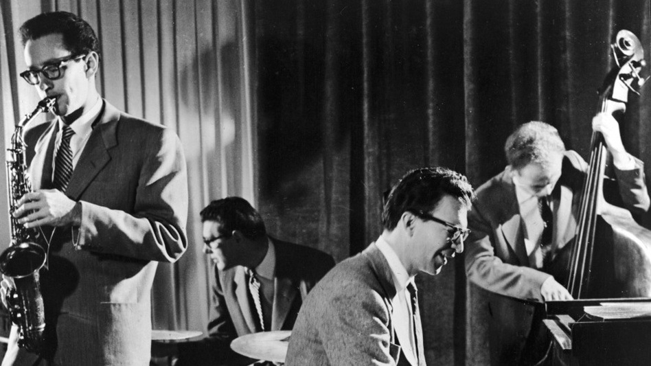 A classic West Coast jazz quartet: saxophonist Paul Desmond, drummer Joe Dodge, pianist Dave Brubeck, bassist Bob Bates.