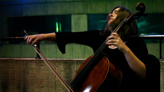 Alisa Weilerstein performs at the National Aquarium in Baltimore. (NPR)