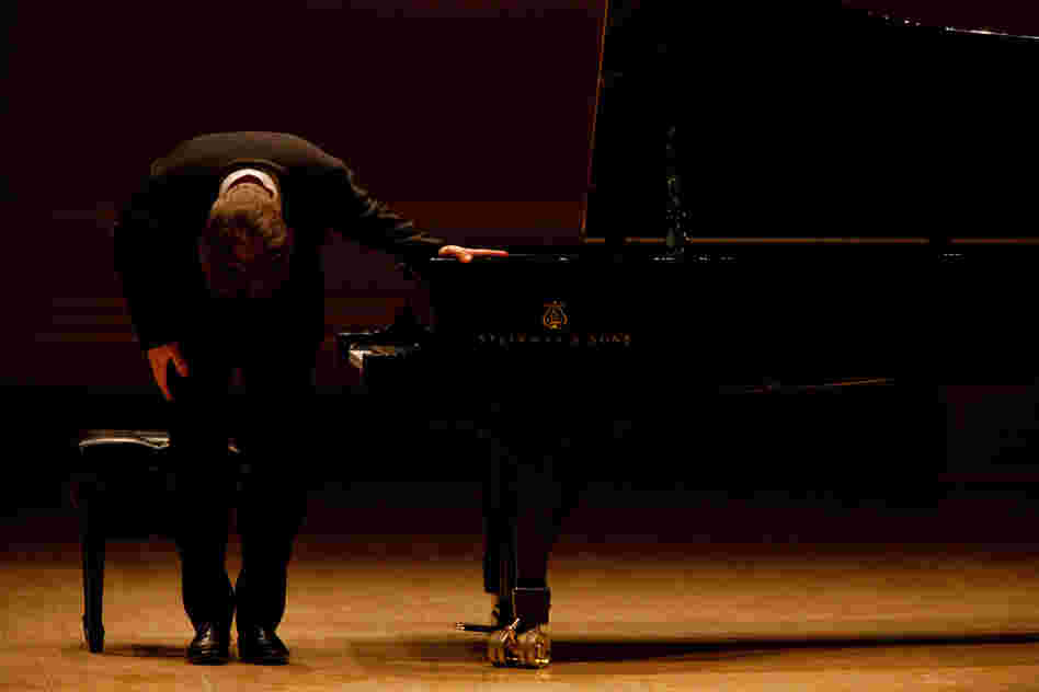 Andsnes takes a bow to begin his Carnegie Hall recital,  which he began by playing the Sonata in C minor by Haydn.