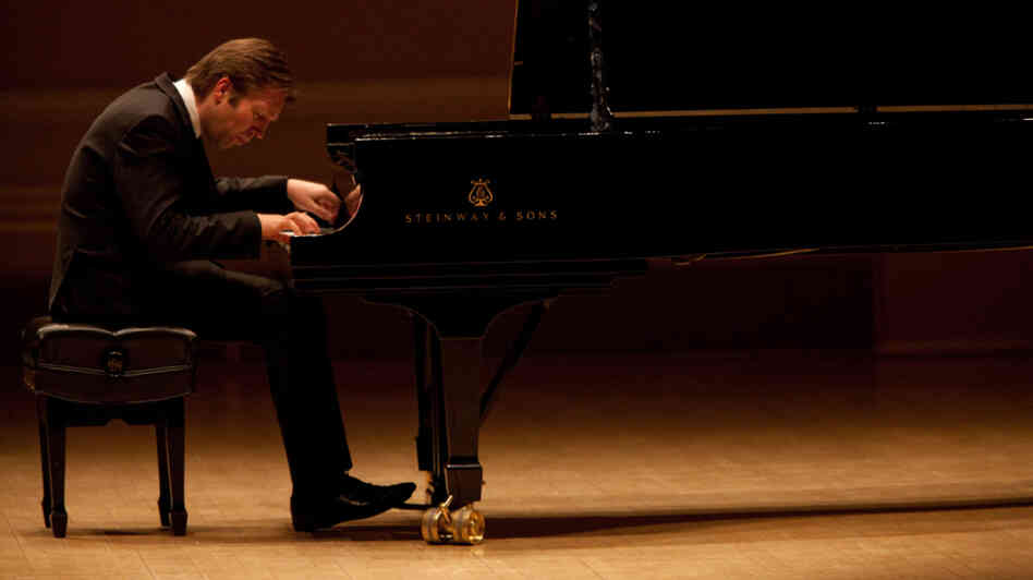 "Pianist Leif Ove Andsnes has been called ""a pianist of magisterial elegance, power and insight,"" which he proved in his Carnegie Hall recital, Feb. 15, 2012."