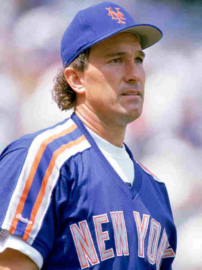 Gary Carter of the New York Mets looks on during a game in the 1989 season. The star of the Mets' 1986 World Series win died Thursday, after a fight with brain cancer.