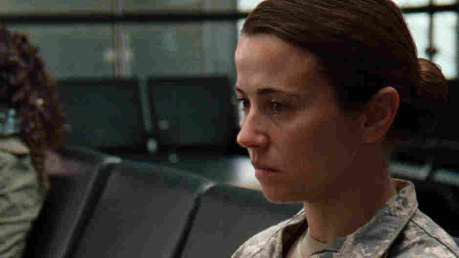 Linda Cardellini plays a vet who returns from overseas with no way to make sense of where she was and what it meant in director Liza Johnson's new drama Return.