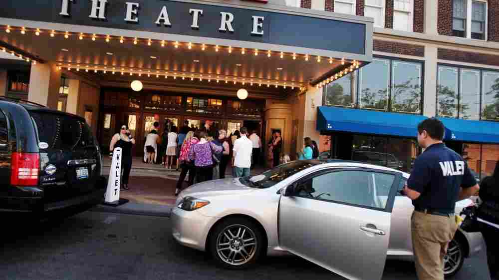 Bars and restaurants are already legally on the hook for stopping would-be drunken drivers. Some in Boston say valet parking attendants should be, too.