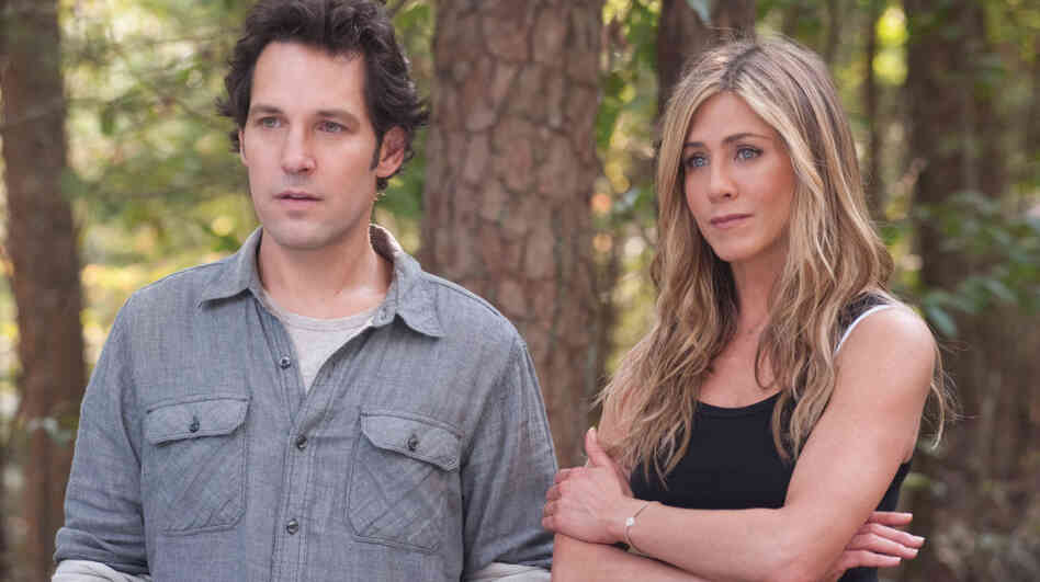 George (Paul Rudd) and Linda (Jennifer Aniston) are plugged-in New Yorkers who go off the grid on a Georgia commune in David Wain's comedy Wanderlust.