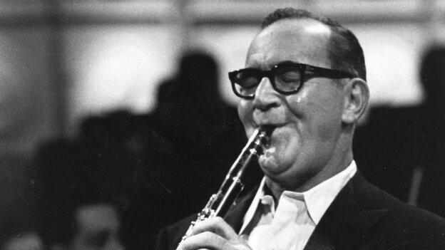 American jazz clarinettist and band leader Benny Goodman.