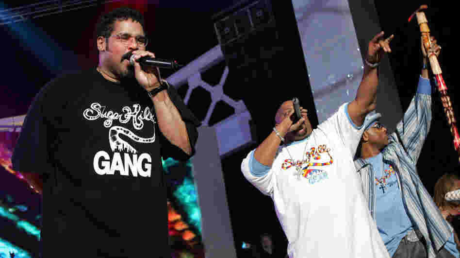 The Sugarhill Gang perform onstage at the close of the VH1 Hip Hop Honors at the Hammerstein Ballroom on October 3, 2004 in New York City.