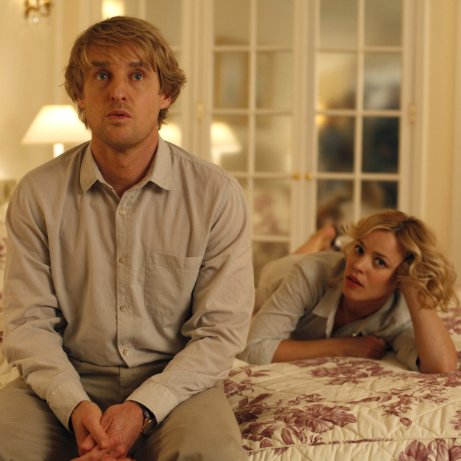 In Midnight In Paris, Owen Wilson, playing the time-traveling hero Gil, wants to write novels instead of movies, much to the horror of his fiancee Inez, played by Rachel McAdams.
