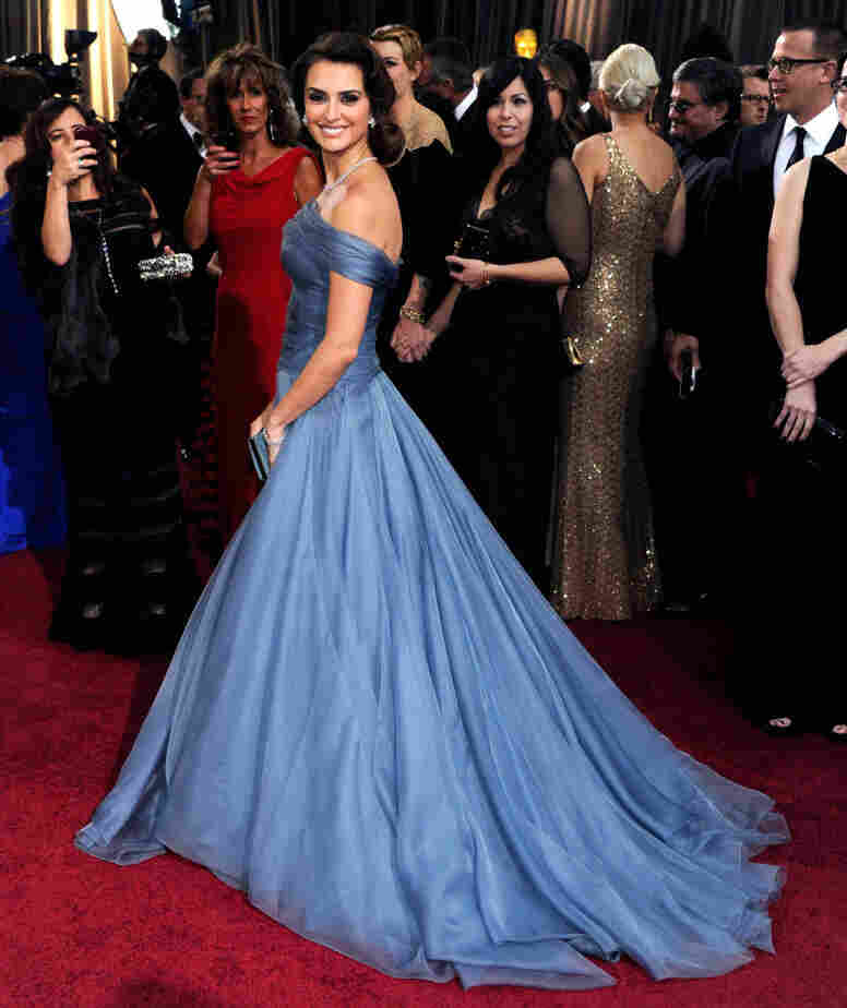 Penelope Cruz shows off her Oscars gown.