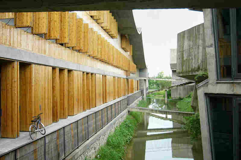 Xiangshan Campus, China Academy of Art, Phase II, 2004-2007, Hangzhou, China.