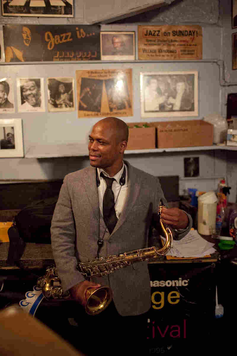 JD Allen backstage.