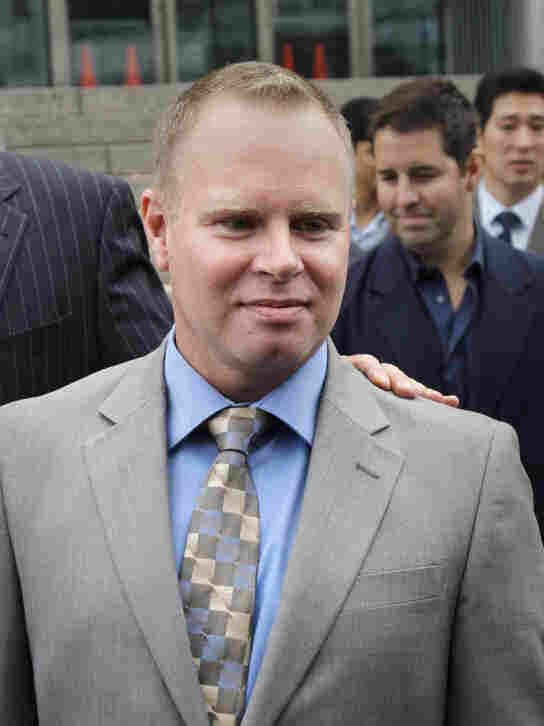 Former flight attendant Steven Slater leaves court in October 2010.