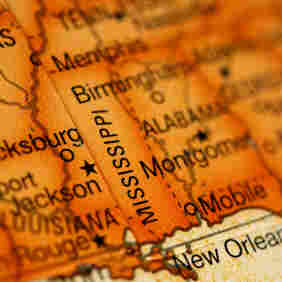 Mississippi Builds Insurance Exchange, Even As It Fights Health Law